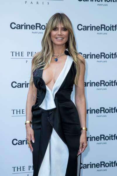 Heidi Klum en look graphique participait aussi au lancement