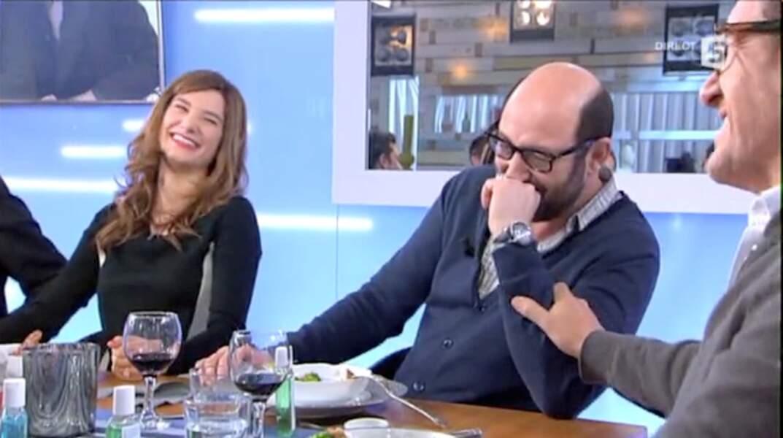"""Kad Merad et  Julia Vignali sur le plateau de l'émission """"C  à vous"""" où ils se sont rencontrés en 2014"""