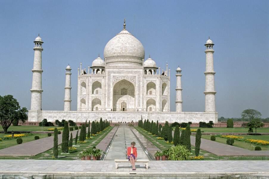 Lady Diana, devant le Taj Mahal, en Inde, en 1992