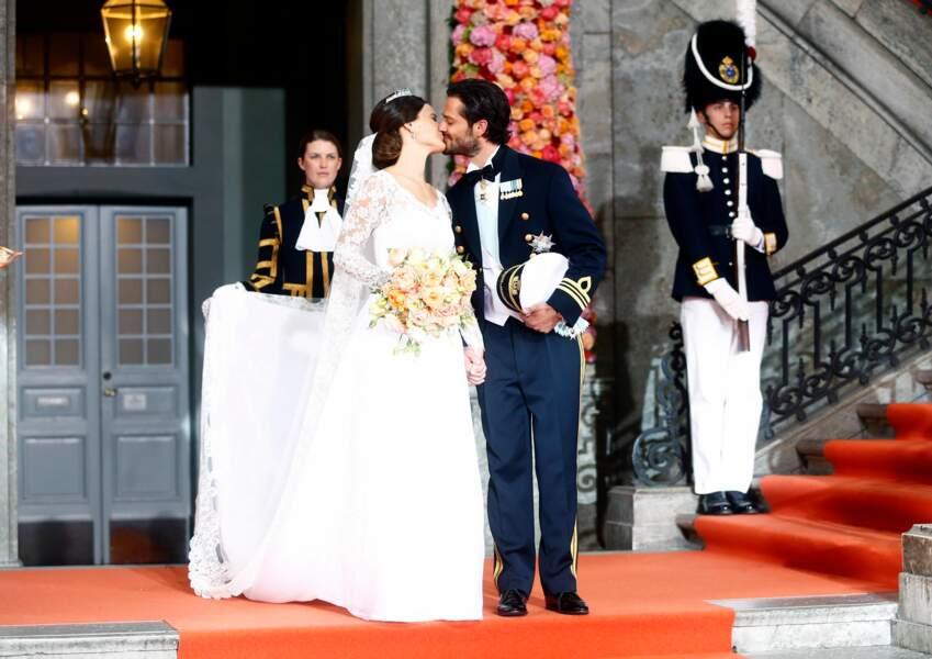 Mariage du prince Carl Philip de Suède et Sofia Hellqvist (en robe Ida Sjöstedt) à Stockholm le 13 juin 2015