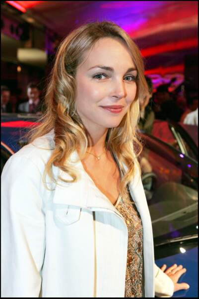 Claire Keim, et ses jolies boucles blondes souples, lors d'une soirée à Paris en 2005