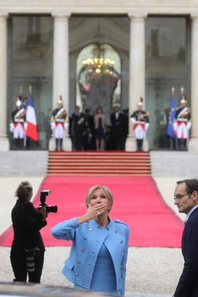 Une veste audacieuse pour Brigitte...