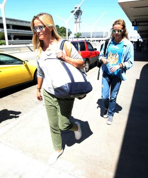 Ava Philippe, fille de Reese Witherspoon à qui elle ressemble énormément, rentre à Berkeley à l'âge de 19 ans.