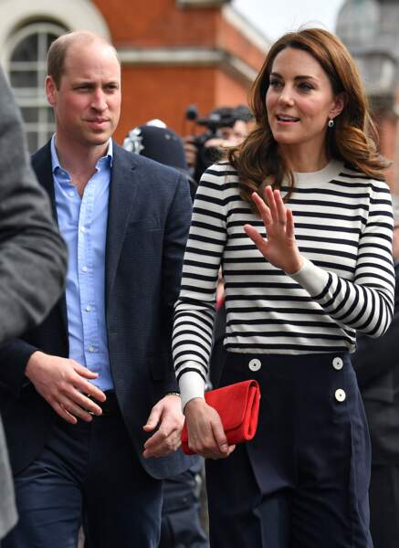 Kate Middleton ne lâche pas sa minaudière Emmy London à 465 €