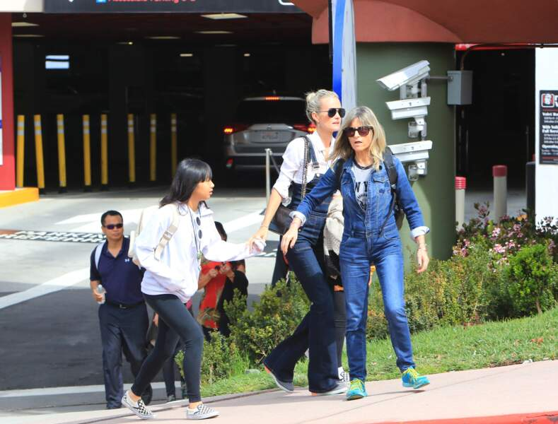 Laeticia Hallyday et ses deux filles Jade et Joy font les touristes à Los Angeles