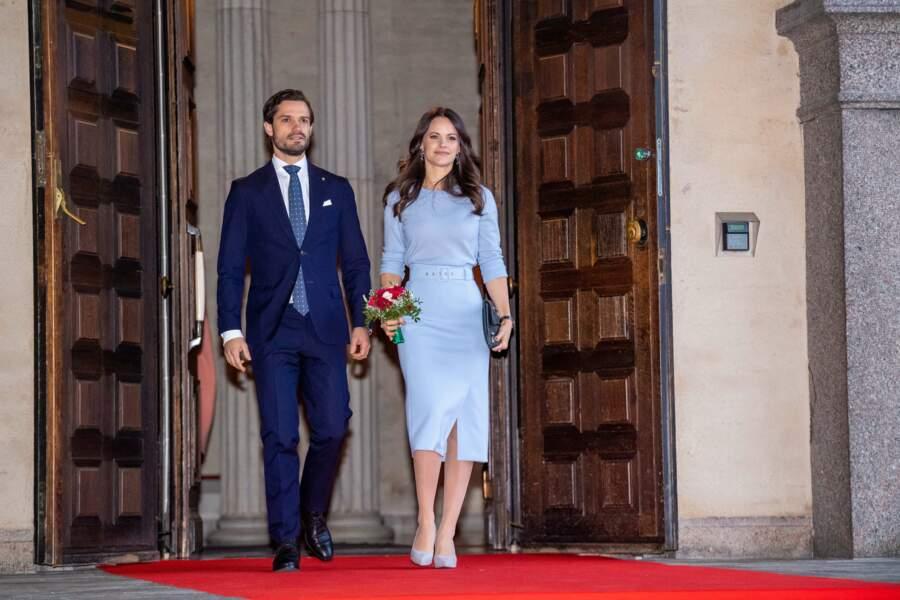 La princesse Sofia de Suède portait cette jupe avec top parfaitement assorti du même bleu