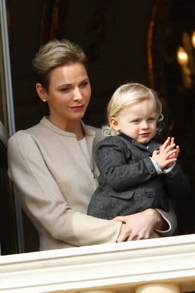 Charlène de Monaco et son fils lors de la procession de la Sainte Dévote à Monaco, le 27 janvier 2017