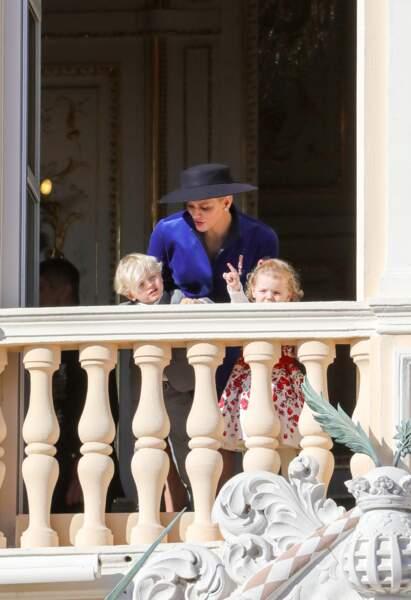 Charlène de Monaco avec Jacques et Gabriella lors de la fête nationale monégasque le 19 novembre 2017