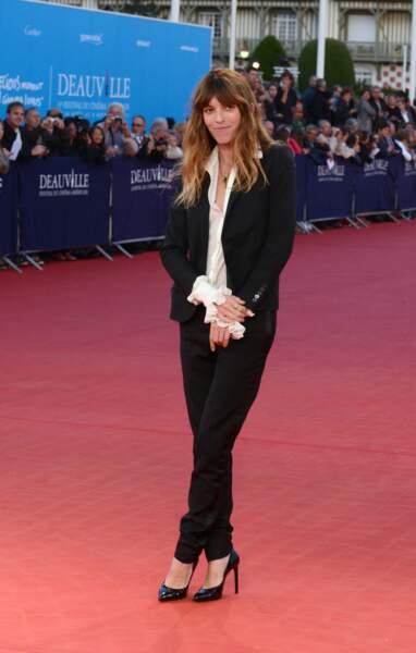 Lou Doillon à Deauville revisite le masculin-féminin