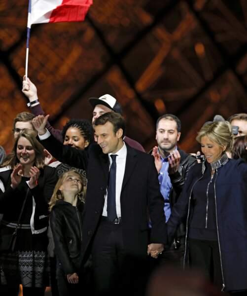 Emmanuel Macron et sa petite fille Emma