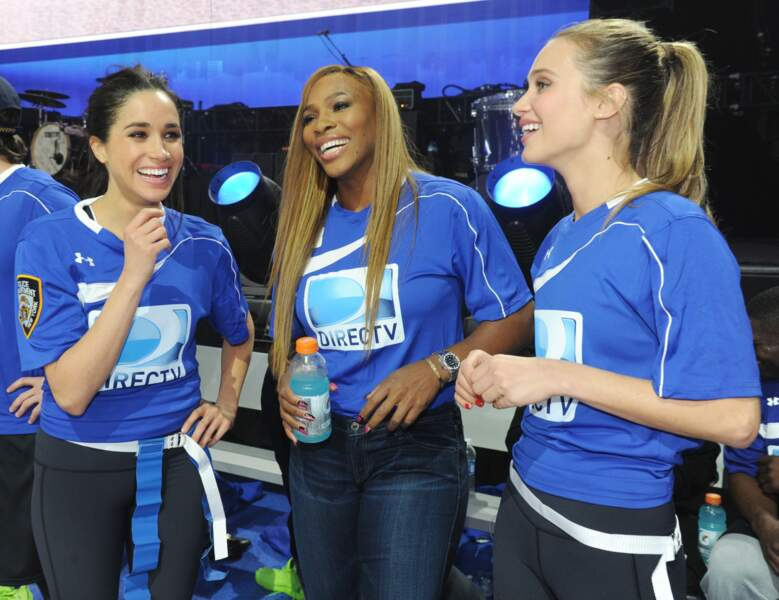 Meghan Markle, avec Serena Williams et Hannah Davis, lors d'un tournoi de football caritatif à New York, en 2014
