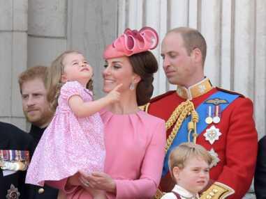 Le prince George en fait voir de toutes les couleurs à sa nounou, lors de la fête Trooping the Colour, à Buckingham Palace