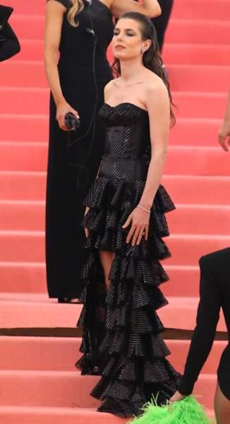 Charlotte Casiraghi en Saint Laurent Paris et la chevelure de sirène