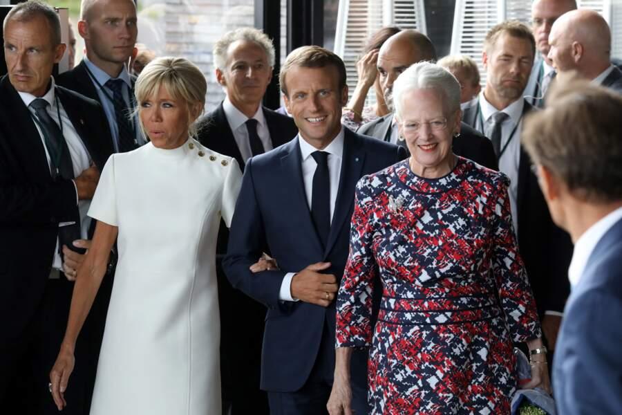 Brigitte Macron en robe blanche Louis Vuitton au Danemark