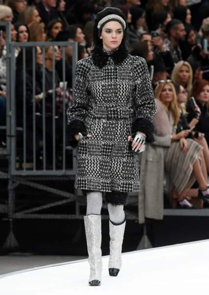 Kendall Jenner défile une fois de plus pour Chanel