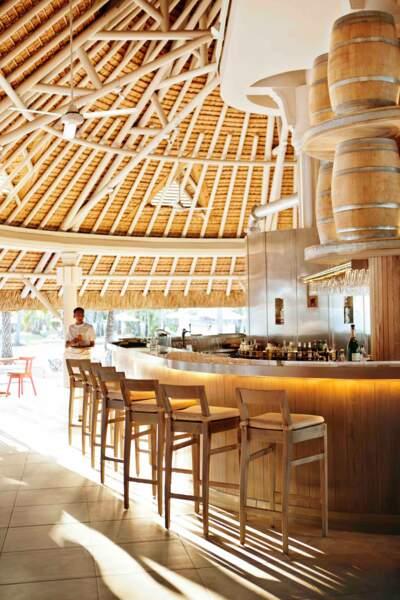 Au LUX* Belle Mare à l'île Mauriceil y a dix restaurants et bars pour combler vos envies.