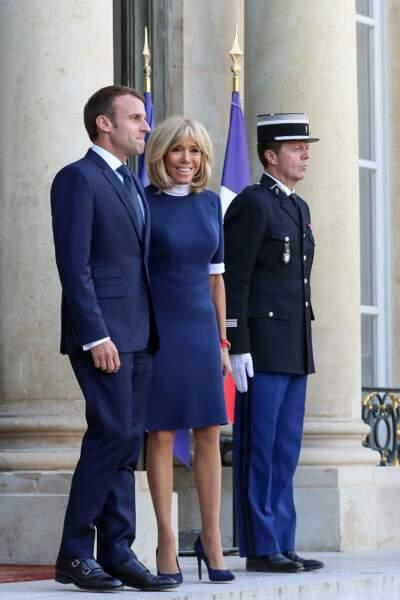 Pour Brigitte et Emmanuel Macron, le bleu est une couleur star