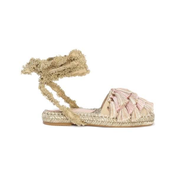 Sandales en coton, pampilles et semelle en corde, 175 € (Liu Jo).