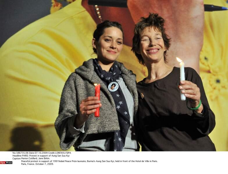 Aux côtés de Marion Cotillard pour soutenir Aung San Suu Kyi, en 2009