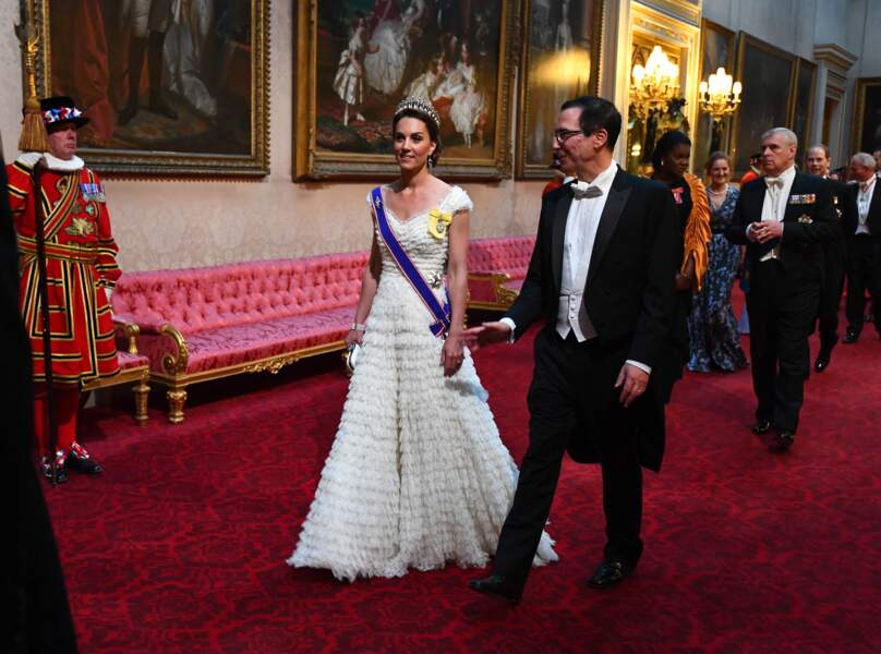 La sublime Kate Middleton lors du dîner royal en l'honneur du couple Trump, à Londres, le 3 juin 2019.