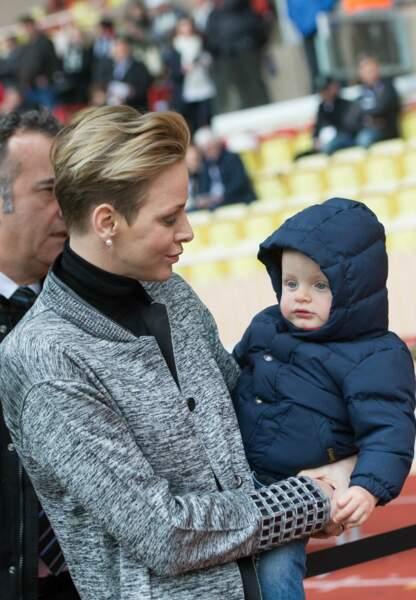 Sous les yeux protecteurs de sa jolie maman, Jacques était ce samedi au Stade Louis II, à Monaco