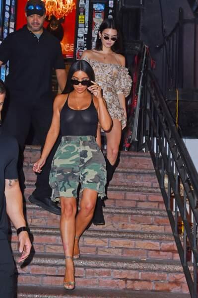 Kim Kardashian et sa soeur Kendall Jenner ont la même passion pour les hauts toute en transparences