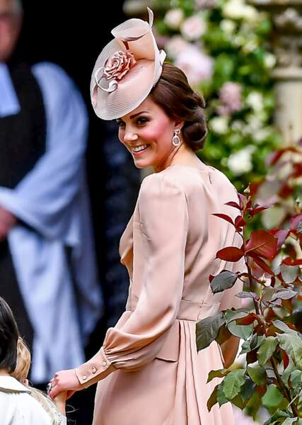 Kate Middleton lors du mariage de sa soeur Pippa, en l'église St Mark d'Englefield le 20 mai 2017