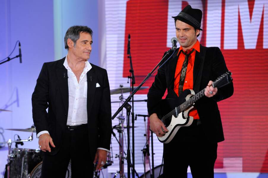 Père et fils, Gérard et Manu Lanvin, lors de l'enregistrement de l'émission Vivement Dimanche en 2013