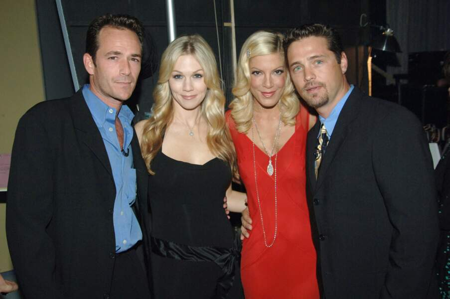 Luke Perry, Jennie Garth, Tori Spelling and Jason Priestley en 2005 à la cérémonie des TV Land Awards