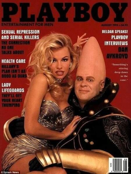 Un an plus tard, la une la plus bizarre de Pamela Anderson