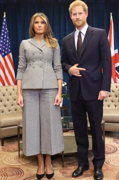 Melania en tailleur pantacourt Dior, avec le prince Harry lors des Invictus Games à Toronto, le 23 septembre 2017