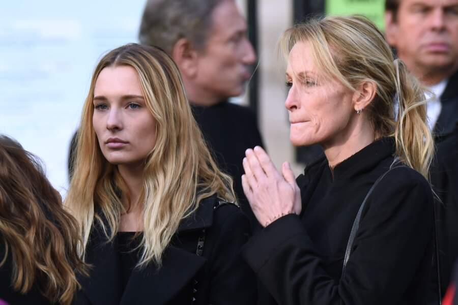 Estelle Lefebure marquée par le chagrin et soutenue par sa fille