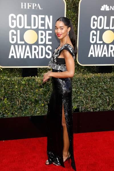 Laura Harrier en robe fendue Louis Vuitton lors des Golden Globes, le 6 janvier 2019 à Los Angeles