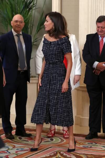 Letizia d'Espagne a choisi une tenue élégante pour ce congrès au Palais de la Zarzuela