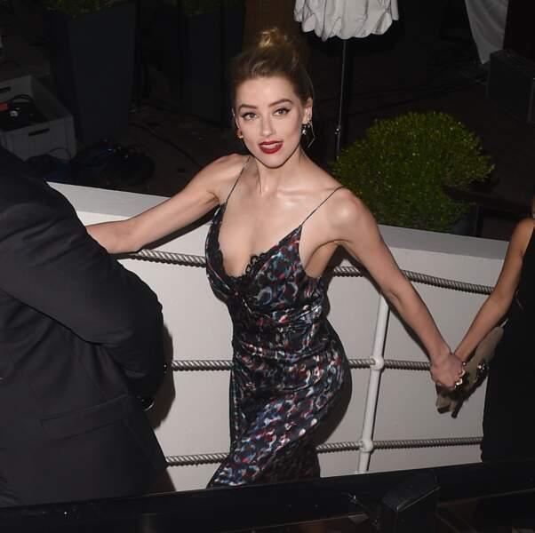 Amber Heard à la sortie du beach club lors du 71ème Festival International du Film de Cannes, France, le 10 mai