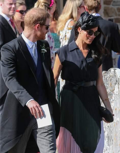 Meghan Markle et le prince Harry main dans la main.