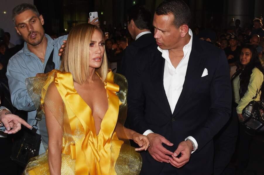 En plus de son fiancé, Jennifer Lopez était accompagnée de son coiffeur Chris Appleton ce 7 septembre à Toronto