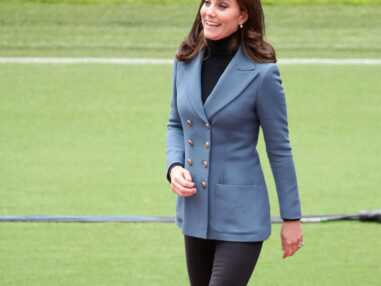 William d'Angleterre ,Harry d'Angleterre etKate Middleton sublime en veste d'officier bleue et pantalon slim