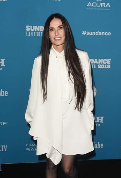Des cheveux extra longs comme Demi Moore