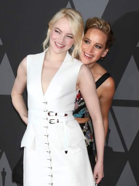 Emma Stone et Jennifer Lawrence à la soirée annuelle AMPAS Governors Awards à Hollywood en 2017