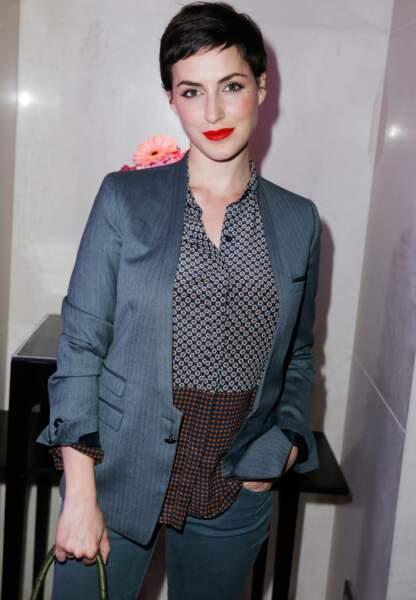 Actrice et scénariste, la sublime jeune femme a joué dans six films au cinéma notamment L'Ennemi public n°1.