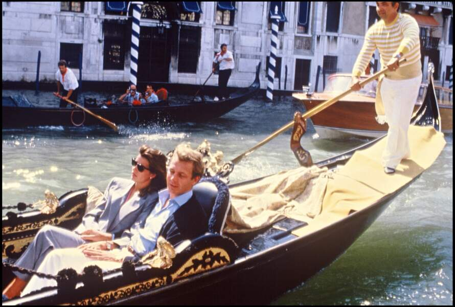 La princesse Caroline de Monaco et Stefano Casiraghi, en séjour à Venise, en 1985