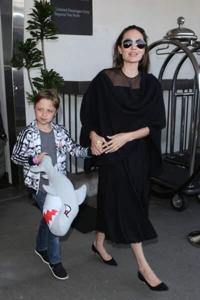 Angelina Jolie et son fils Knox, en Juin 2016 à Los Angeles