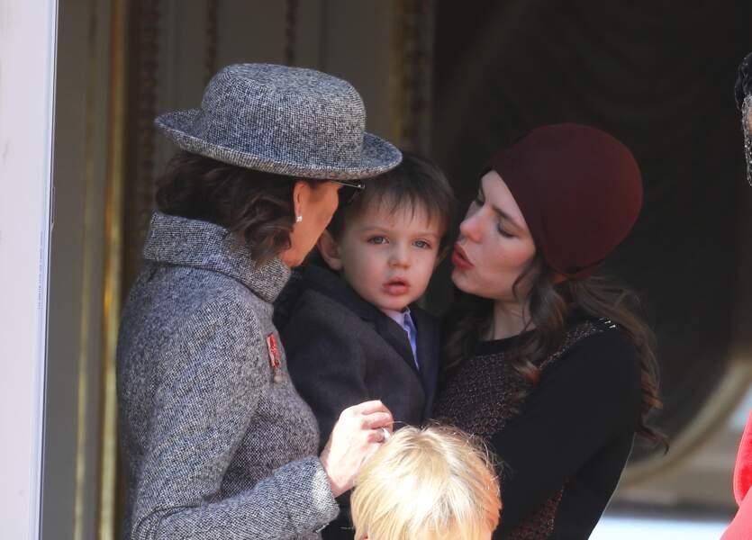 La princesse Caroline de Hanovre, Charlotte Casiraghi et son fils Raphaël Elmaleh