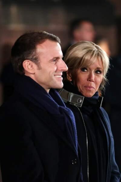 Brigitte Macron était à Strasbourg avec Emmanuel Macron. L'occasion de ressortir son manteau présidentiel.