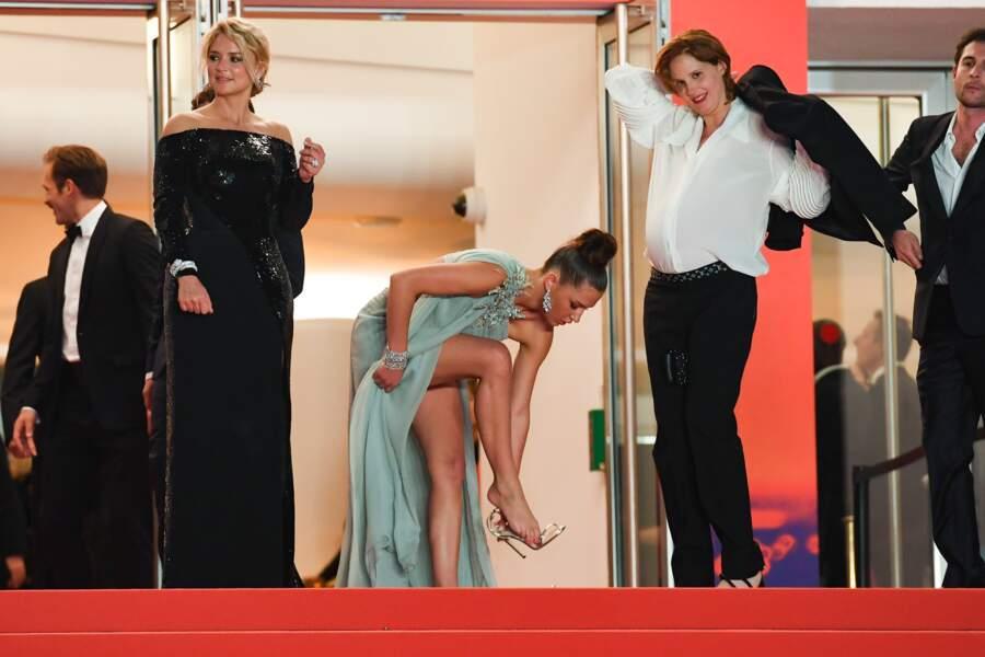 """La partenaire de Virginie Efira dans """"Sibyl"""", Adèle Exarchopoulos avait retiré ses chaussures dans la salle"""