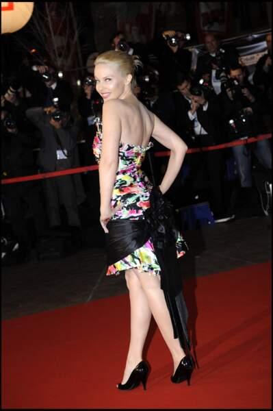 Kylie Minogue sur le tapis rouge des NRJ Music Awards à Cannes en 2008