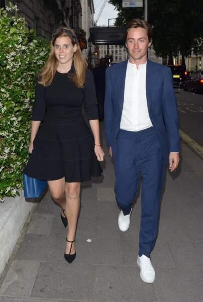 Beatrice d'York et son fiancé Edoardo Mapelli Mozzi dans les rues de Londres, le 9 juillet
