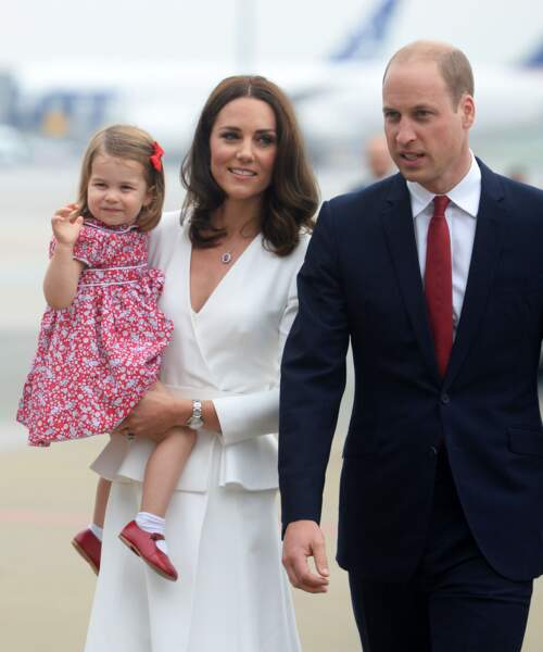 Charlotte, Kate et William d'Angleterre à l'aéroport Chopin à Varsovie, le 17 juillet 2017