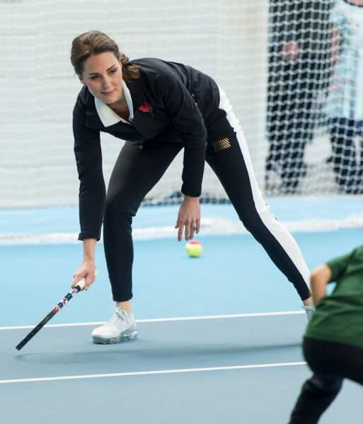 Kate Middleton a joué au tennis avec des enfants